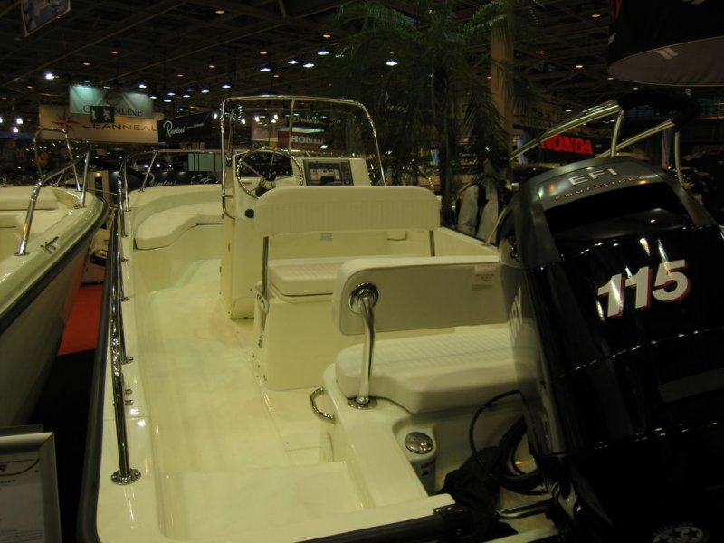 Boston Whaler 200 Dauntless _2
