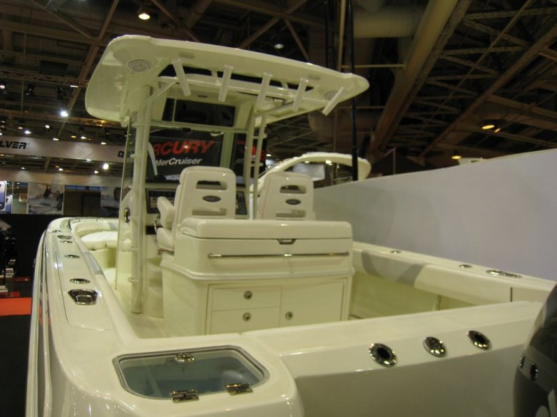 Boston Whaler 320 Outrage _2