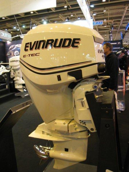 Evinrude Etec 115cv blanc