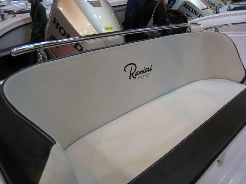 Ranieri banquette