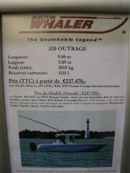 prix salon paris 2010 Boston Whaler 320 Outrage
