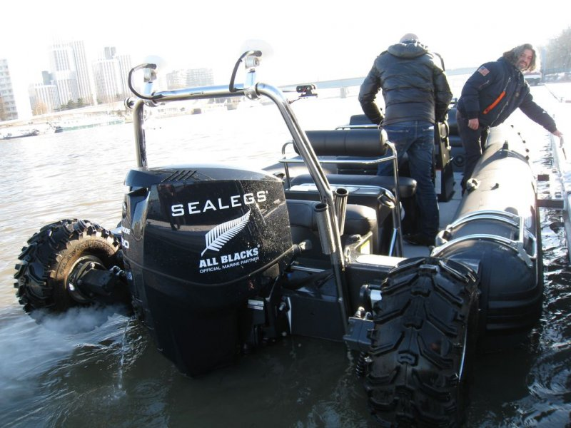 mise-a-quai-sealegs-7-1m-professionnel-bateau-semi-rigide-amphibie