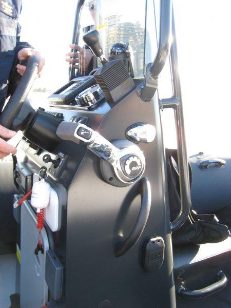 prises-et-mains-courantes-sealegs-7-1m-professionnel-bateau-semi-rigide-amphibie