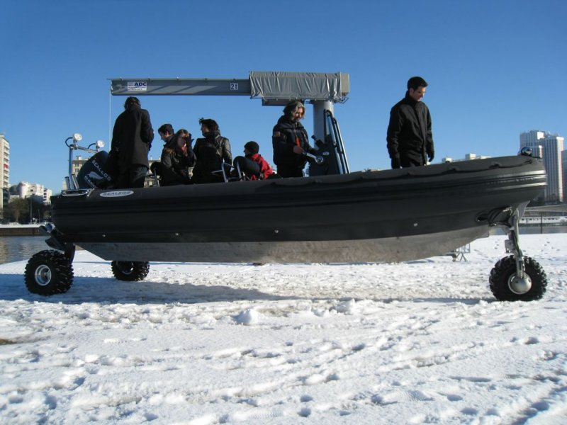 remontee-sealegs-7-1m-professionnel-bateau-semi-rigide-amphibie