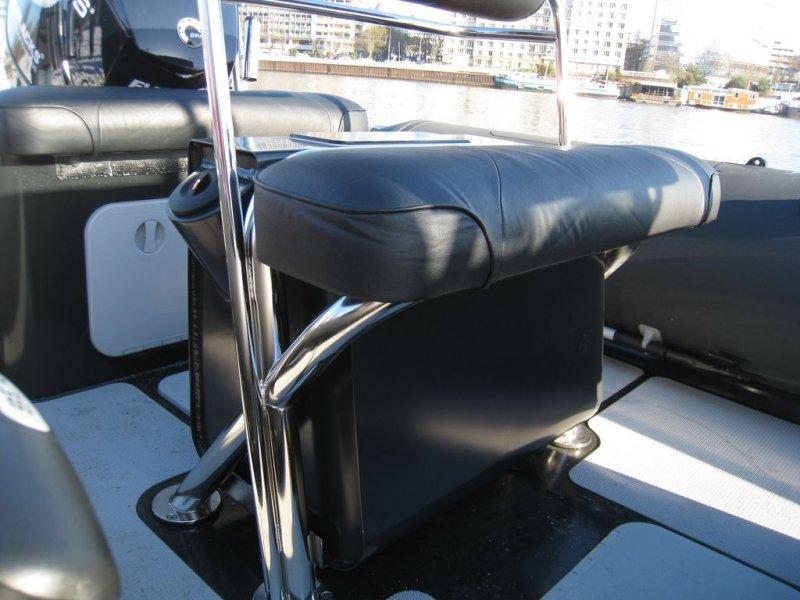 sieges-et-coffres-sealegs-7-1m-professionnel-bateau-semi-rigide-amphibie