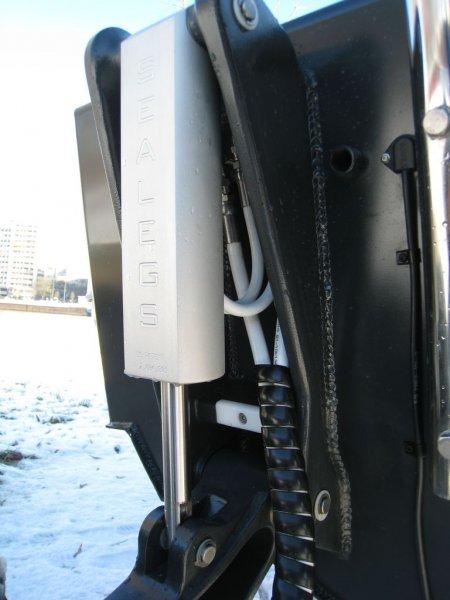 verrins-arrieres-sealegs-7-1m-professionnel-bateau-semi-rigide-amphibie