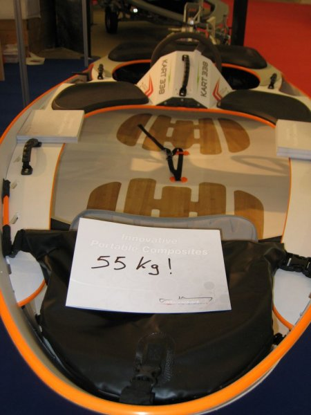 marinekart-orange-et-blanc-avant