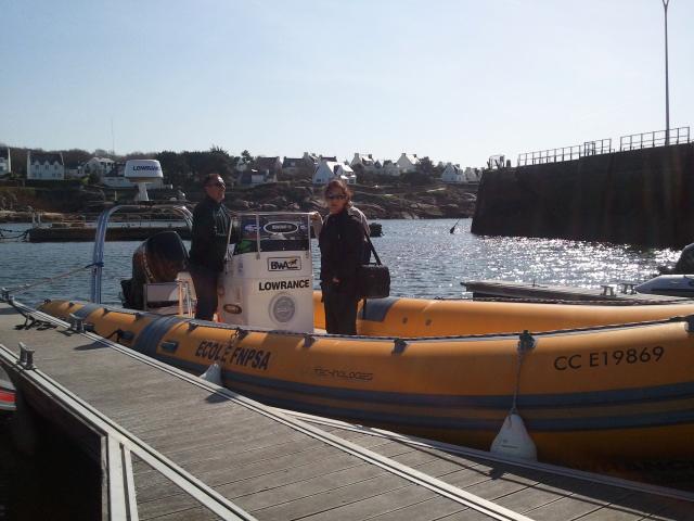 Eric Sauvage et son BWA 8m60 + son 300Cv SUZUKI + son Electronique Lowrance à quai