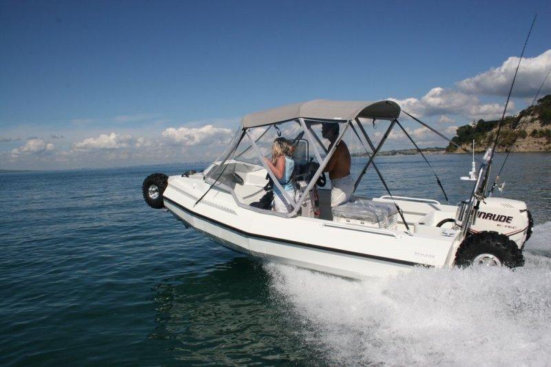 sealegs-amphibie-d-tube-6-1m-plaisance-b