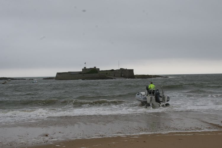 sealegs-amphibie-d-tube-6-1m-professionnel-p