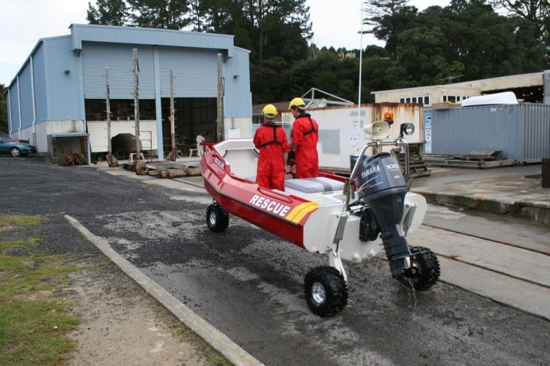 sealegs-amphibie-d-tube-6-1m-rescue-sauvetage-b