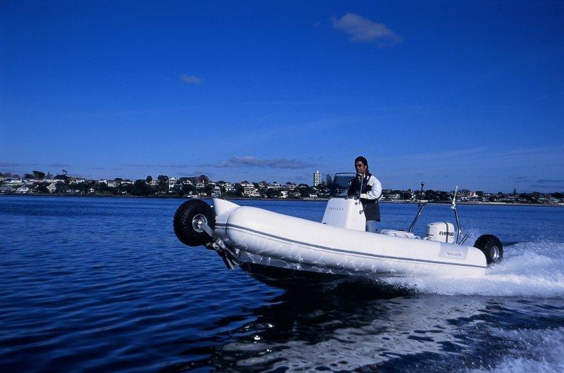 sealegs-amphibie-rib-5-05m_plaisance_d
