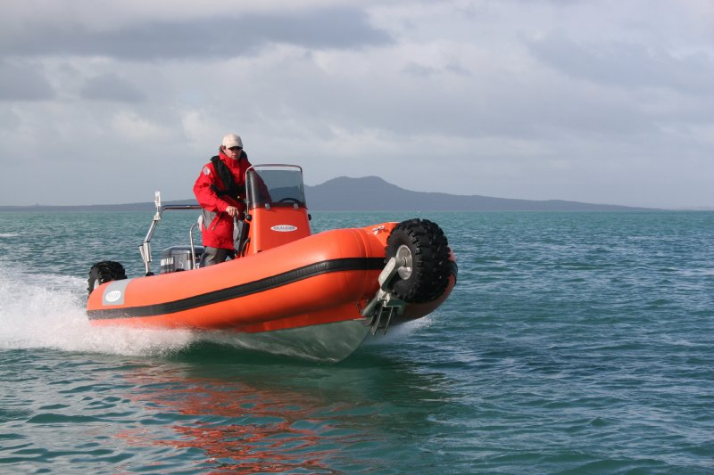 sealegs-amphibie-rib-5-05m_rescue_sauvetage_c