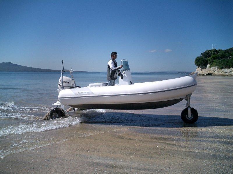 sealegs-amphibie-rib-6-1m-plaisance-sortie-eau-g