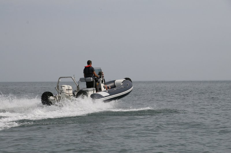 sealegs-amphibie-rib-6-1m_plaisance_f