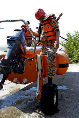 sealegs-amphibie-rib-6-1m_rescue_sauvetage_d