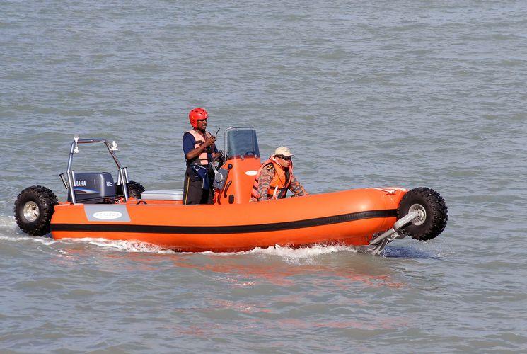 sealegs-amphibie-rib-6-1m_rescue_sauvetage_f
