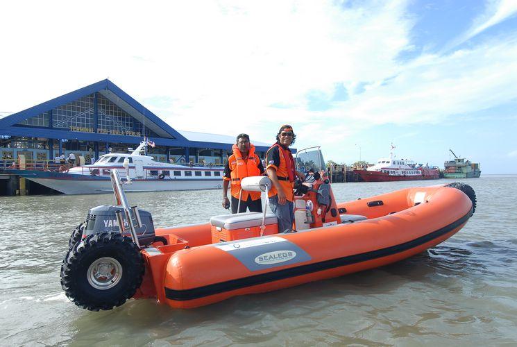 sealegs-amphibie-rib-6-1m_rescue_sauvetage_h