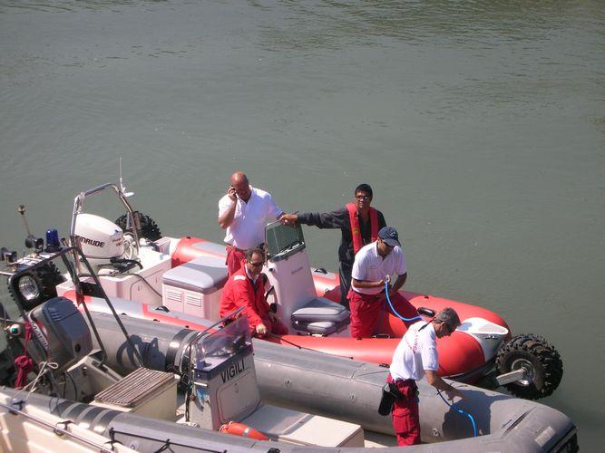 sealegs-amphibie-rib-6-1m_rescue_sauvetage_a1