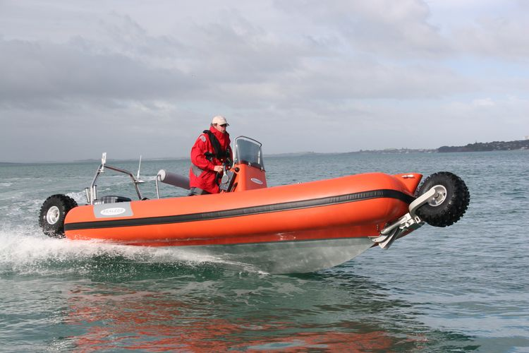 sealegs-amphibie-rib-6-1m_rescue_sauvetage_l