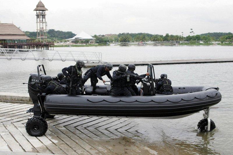 sealegs-amphibie-rib-7-1m_professionnel_militaire-f