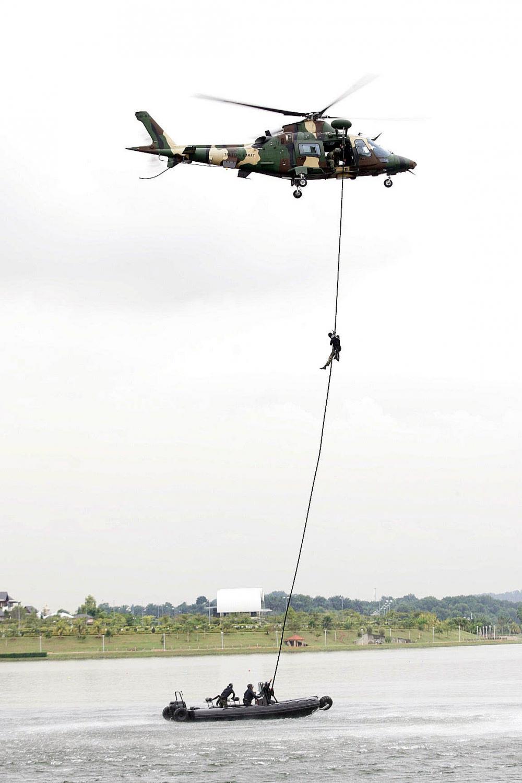sealegs-amphibie-rib-7-1m_professionnel_militaire-g