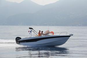 Pro Marine Belone 740 Sundeck