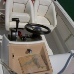 Cockpit et sièges Pro Marine Belone 740 Sundeck
