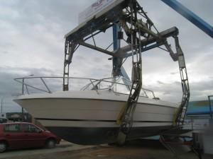 Pince portuaire de manutention bateau à Dieppe