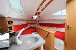 Nouveauté 2011 Catway Maxus 21: intérieur dériveur intégral ultra moderne