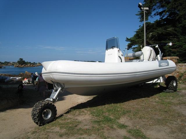 D couverte du bateau amphibie sealegs blanc sur l le de - Bateau sur roues ...