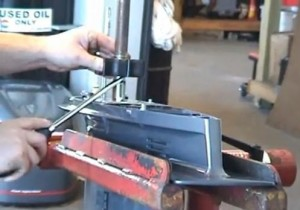 Hivernage hors-bord - Extraction hélice pompe à eau moteur hors-bord